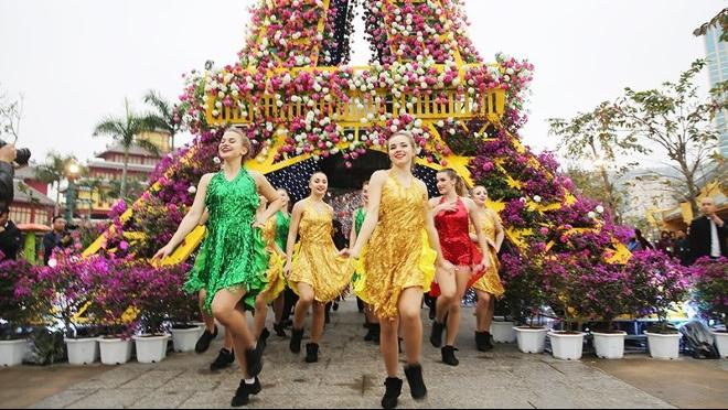 Hạ Long khởi đầu năm du lịch đầy ấn tượng với Lễ hội 'Kỳ quan muôn sắc hoa'