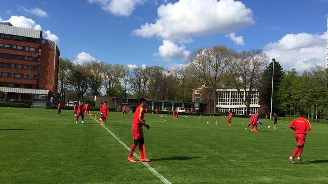 U20 Việt Nam thua sát nút U23 Monchengladbach trên đất Đức
