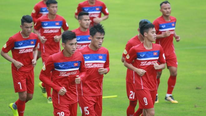 VFF sẽ tìm HLV ngoại cho tuyển Việt Nam, nhiều sao vắng mặt ngày V-League trở lại