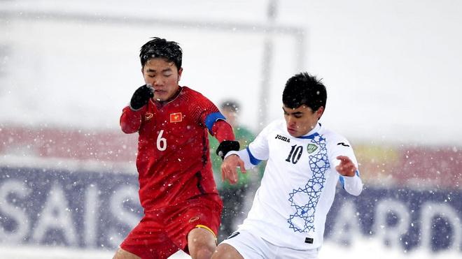 HLV Lê Thụy Hải cảnh báo U23 Việt Nam, tuyển thủ U23 Việt Nam hối hả giao lưu