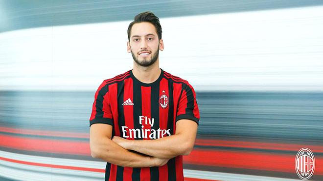 Milan mơ đổi đời với Hakan Calhanoglu