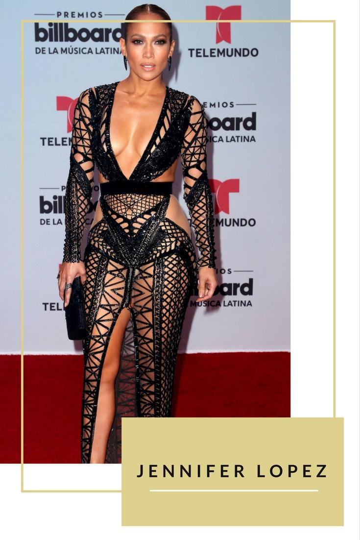 Tham dự sự kiện Billboard Latin Music Awards, nữ ca sĩ Jennifer Lopez diện váy lưới mang phong cách chiến binh mạnh mẽ từ nhà mốt Julien Macdonald