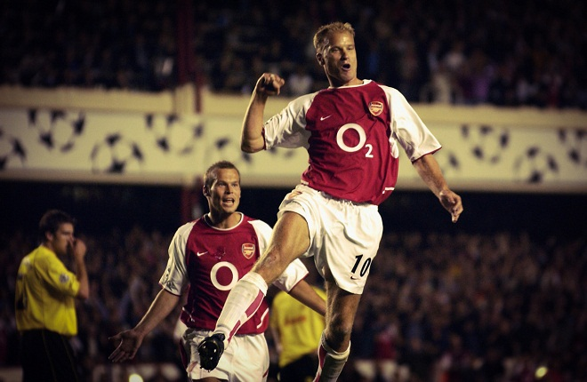Tuyệt đỉnh 'First Touch' trong sự nghiệp Dennis Bergkamp