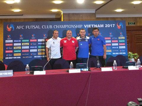 Đại diện các đội bóng ở bảng A giải futsal các CLB châu Á 2017. Ảnh: Quang Liêm
