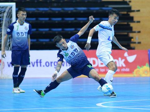 Thái Sơn Nam của Trọng Luân (trắng) nhiều khả năng sẽ gặp lại Hải Phương Nam ở trận chung kết giải đấu tranh Cúp LS 2017. Ảnh: Duy Anh
