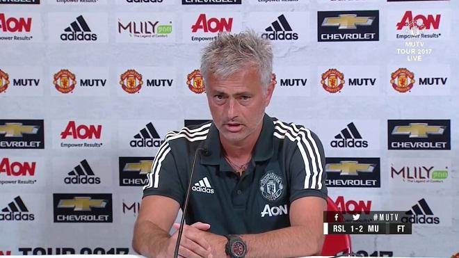 Mourinho cần bao nhiêu năm để trở thành 'Sir Alex đệ nhị'?