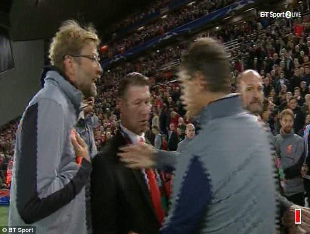 Berizzo bị đuổi vì 'câu giờ' giúp… Liverpool, Klopp tạo điều kiện cho… Sevilla gỡ hòa