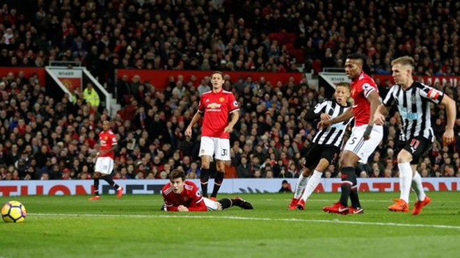ĐIỂM NHẤN M.U 4-1 Newcastle: Pogba siêu hạng, Lukaku 'giải hạn', M.U quyết đua vô địch với Man City