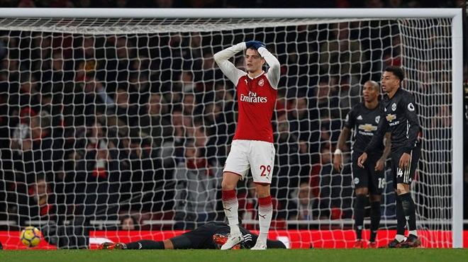 Wenger tức giận: 'Arsenal quá yếu đuối, đã tự sát ngay từ đầu trận đấu'