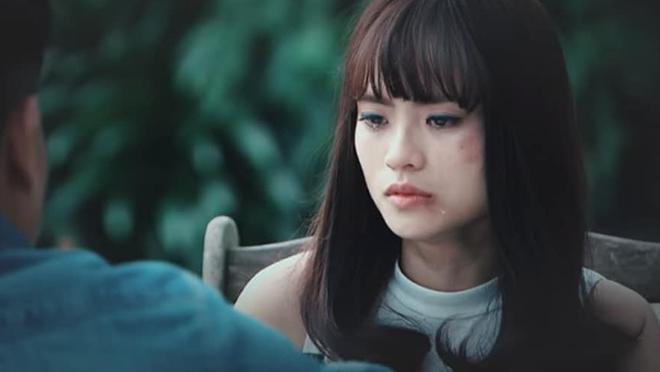 Hương 'Phố' tiết lộ về cảnh 'bị chôn sống' trong 'Người phán xử'
