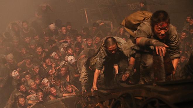 Phim 'Đảo địa ngục' thành công giữa 'bão' tranh cãi