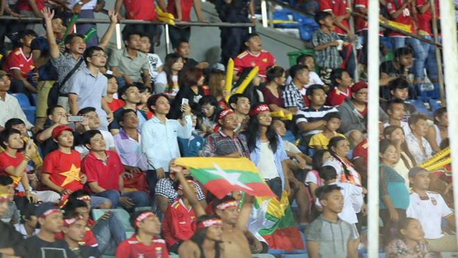 Vào bán kết, U18 Myanmar ăn mừng như vô địch