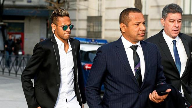 TIẾT LỘ: Neymar sẽ sống trong 'thế giới Brazil' ở Paris