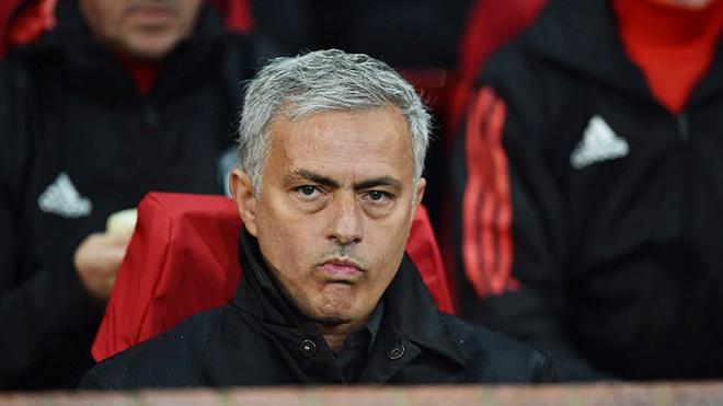 M.U thắng lớn, Mourinho vẫn mắng cầu thủ vì đá bóng như chơi... PlayStation