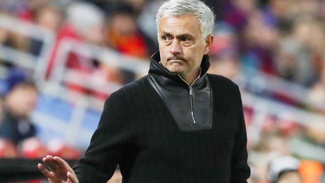 M.U mất 7 cầu thủ trụ cột, Mourinho sẽ đối phó ra sao với Crystal Palace?