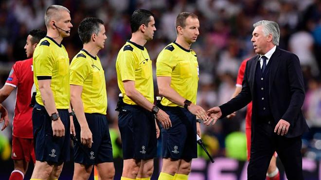 Ancelotti tiết lộ điều đã nói với trọng tài Viktor Kassai