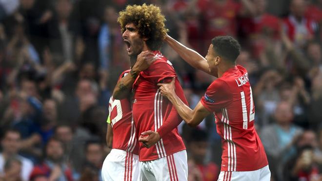 Ghi bàn cho Man United, Fellaini một lần nữa khẳng định giá trị đích thực