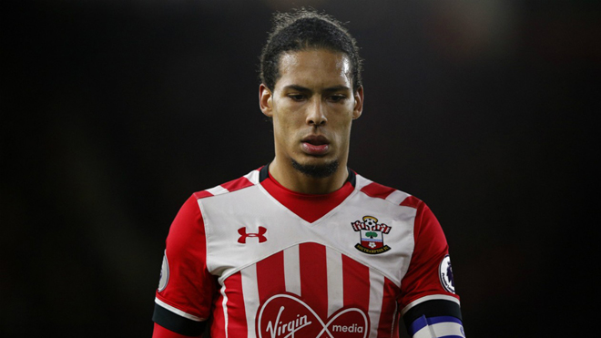 Bị Liverpool 'bỏ rơi', Virgil van Dijk thẫn thờ đợi tin từ Man United, Man City và Chelsea