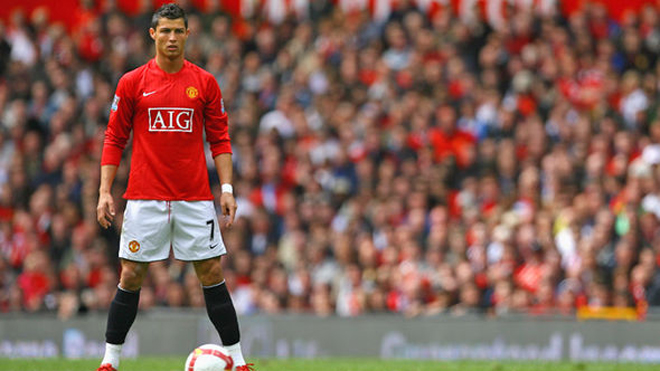 Fan Man United 'phát cuồng' trước tin Ronaldo muốn rời Real Madrid