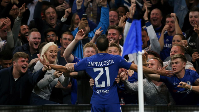 Zappacosta lập siêu phẩm, fan Chelsea lôi Diego Costa ra để ví von