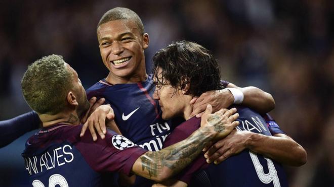Rio Ferdinand: 'Mbappe đã làm chuyện phi pháp với Bayern Munich'