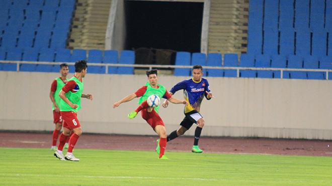 U22 Việt Nam thiếu quân vì chấn thương, HLV Hữu Thắng đẩy thủ môn lên đá tiền đạo
