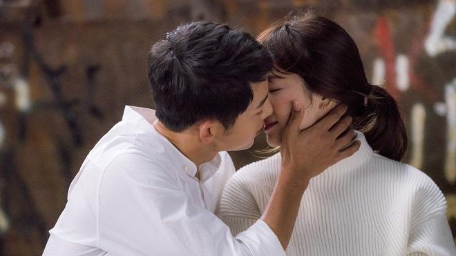 Song Hye Kyo đã bật khóc vì hạnh phúc khi được Song Joong Ki cầu hôn