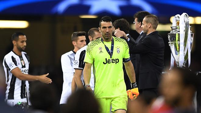 Vì sao Juventus vẫn vô địch về kiếm tiền dù chỉ về nhì ở Champions League?