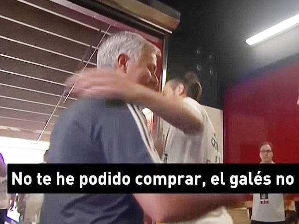 Mourinho gạ gẫm Bale: 'Cậu phải nói với tôi, thì tôi mới mua được cậu chứ'