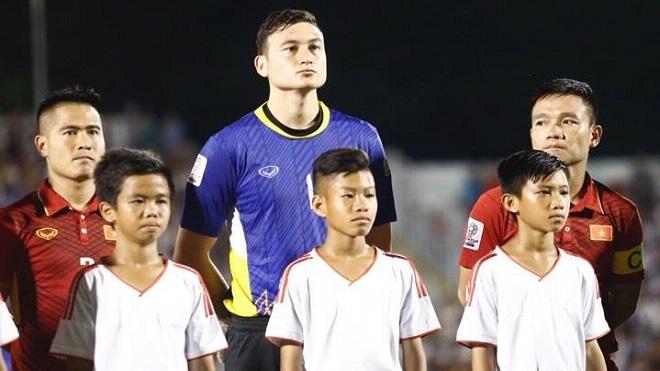 Việt Nam 0 – 0 Jordan: Văn Lâm tốt nhất, Công Phượng mờ nhạt