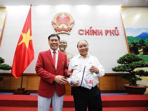 Thủ tướng Nguyễn Xuân Phúc gặp và chúc mừng đoàn TTVN dự SEA Games 29