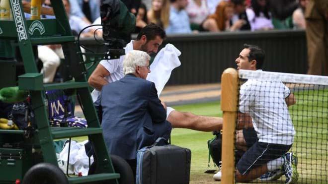 Marin Cilic bật khóc khi đang đánh với Federer ở Chung kết Wimbledon