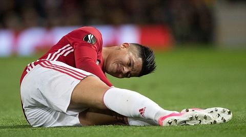 Rojo khiến HLV Mourinho đau đầu hơn về vấn đề nhân sự ở vị trí phòng ngự