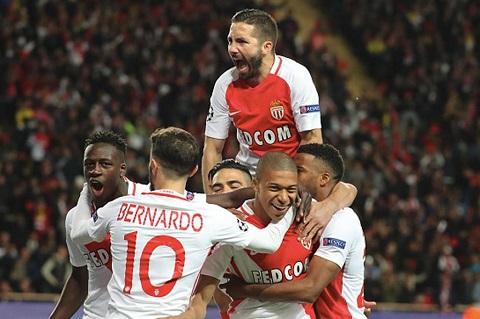 Monaco khiến mọi người thích thú với lối chơi tấn công cống hiến