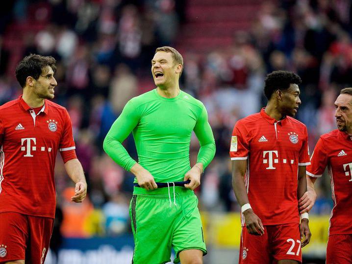 Vì sao các 'ông lớn' Premier League nên học Bayern cách tiêu tiền?