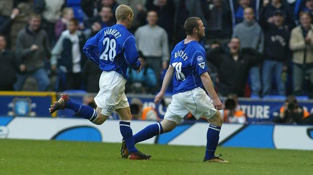 Rooney chỉ nhận nửa lương, CĐV Everton vẫn kêu 'phí tiền'