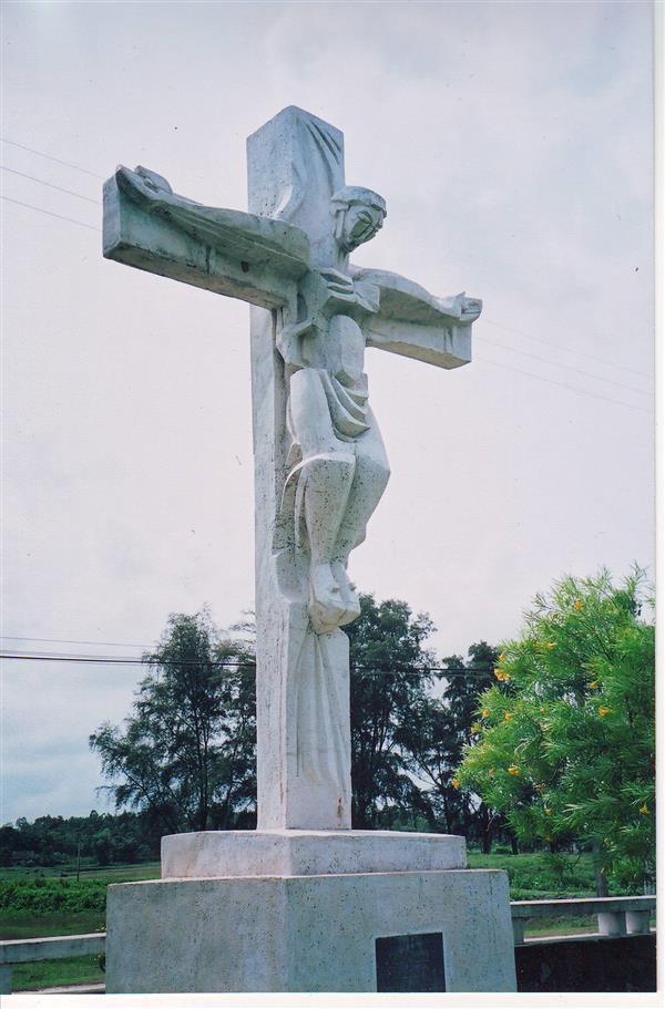 Đức Giêsu đóng đinh trên cây Thập Giá. 36