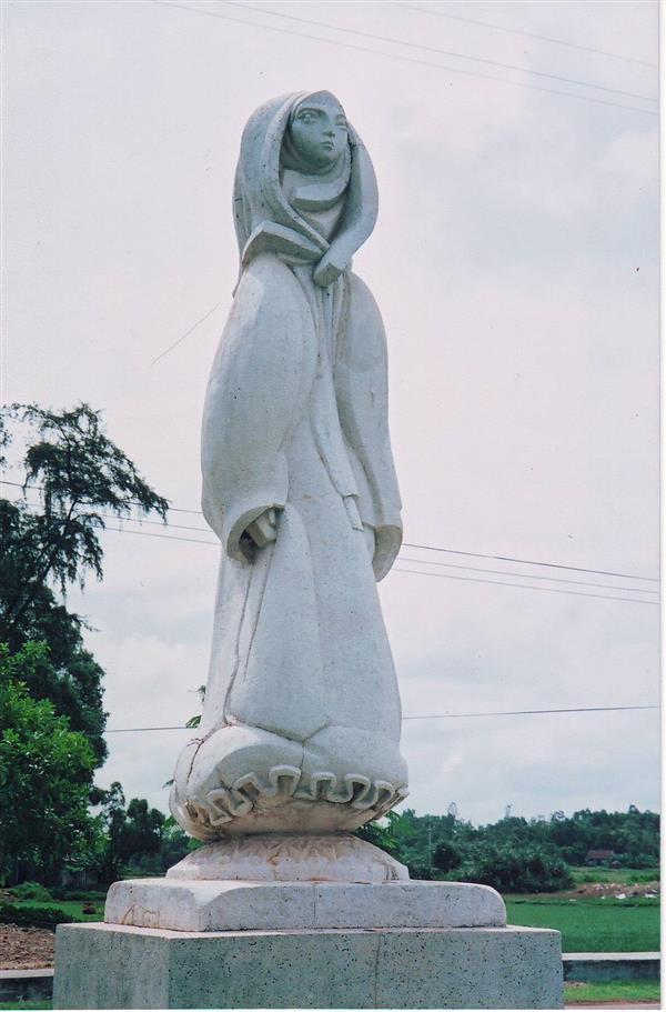 Đức Mẹ được tôn vinh trên trời. 40