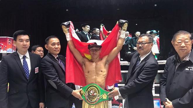 Hạ knock-out đối thủ Thái Lan, Trần Văn Thảo trở thành võ sĩ châu Á của năm