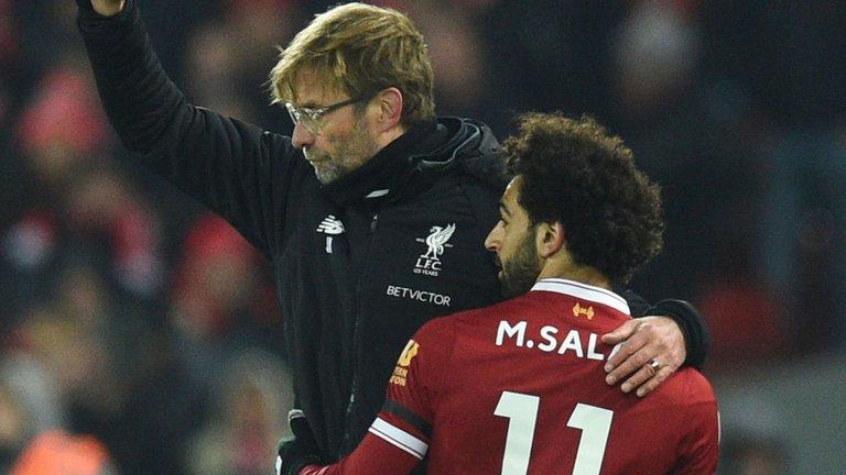 HLV Klopp: 'Các nhà báo nên đến đây mà trao giải cho Salah!'