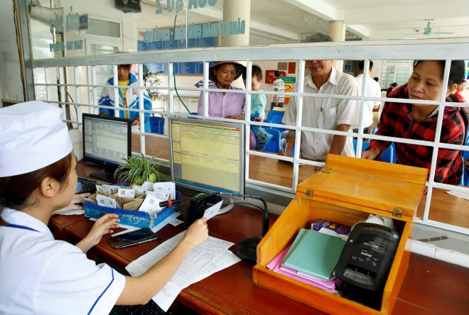 50 bệnh viện sẽ tăng giá viện phí với người chưa có thẻ bảo hiểm y tế