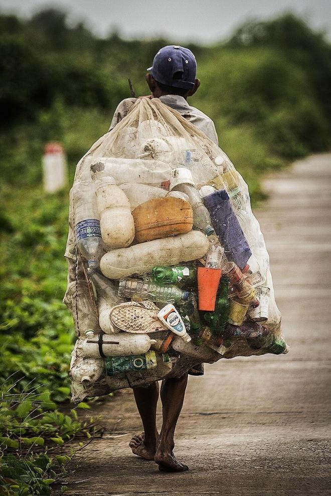 Hình ảnh thảm họa nylon và nhựa dùng một lần đang xâm chiếm thế giới - Ảnh 7