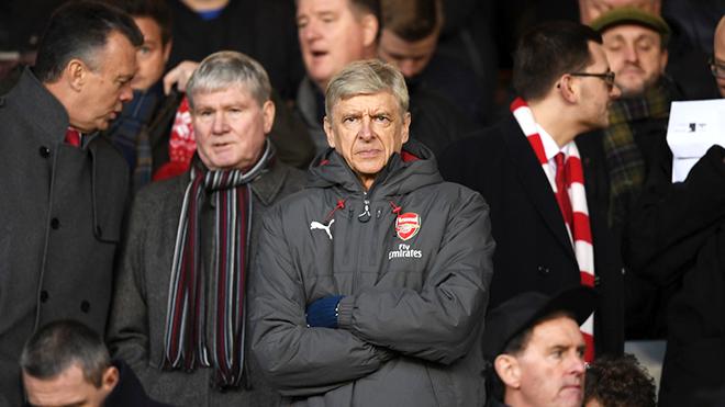 Sir Alex và Wenger có nhiều điểm khác biệt, Arsenal cần những luồng gió mới
