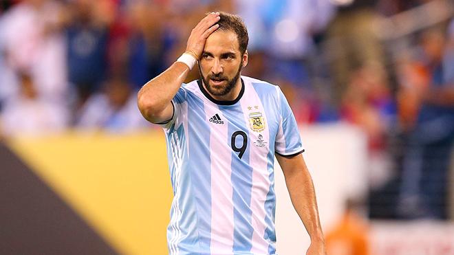Đá hay thế nào, Higuain vẫn phải ngồi nhà xem World Cup?