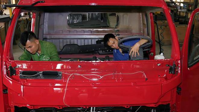Doanh số tiêu thụ xe lắp ráp trong nước 'áp đảo'xe nhập khẩu