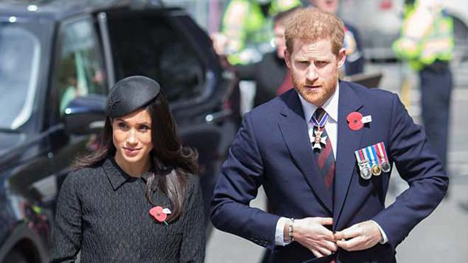 Bố Meghan Markle phẫu thuật tim gấp, đám cưới hoàng gia khuyết người dẫn cô dâu vào lễ đường