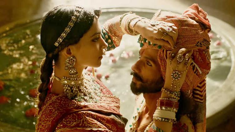 Phim 'Padmavati' 'bóp méo lịch sử': Phụ nữ Ấn Độ doạ tự thiêu để phản đối công chiếu