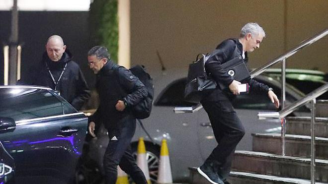 CHUYỂN NHƯỢNG M.U 4/1: Khả năng mua được Dybala là 30%. Lo sợ Mourinho từ chức