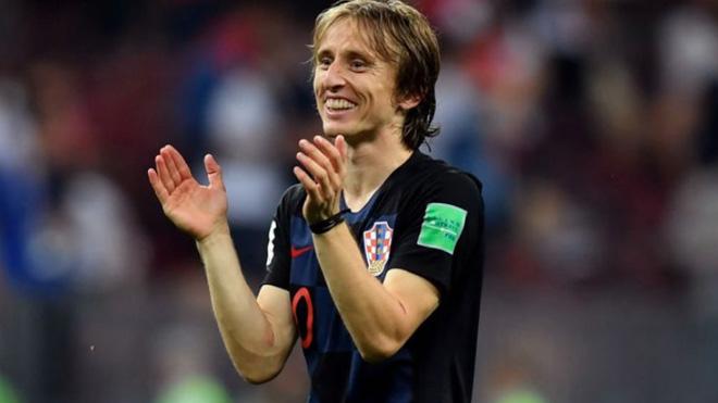TIN HOT World Cup 12/7: Modric đả kích truyền thông Anh. Bùi Tiến Dũng trao giải cho Perisic