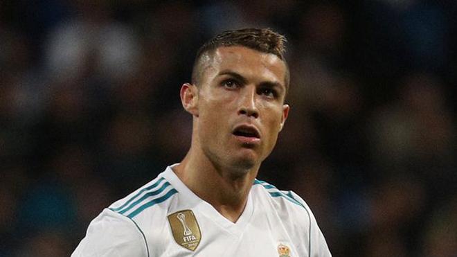 Ronaldo giận dữ vì Isco không cảm ơn sau khi được kiến tạo
